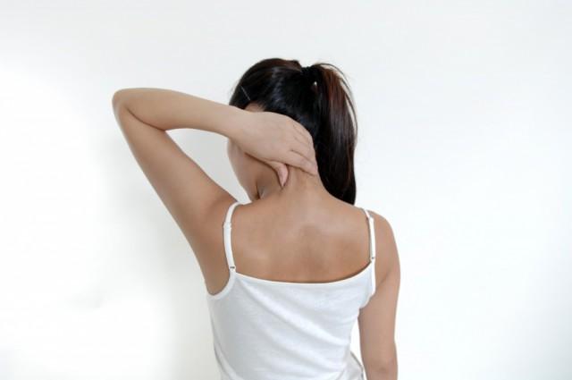 首痛の女性